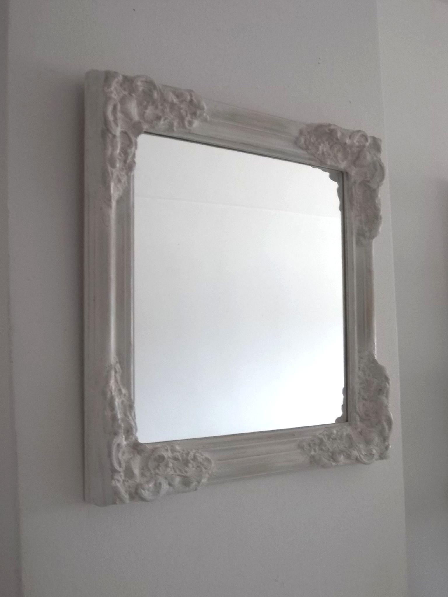 Espejo vintage decapado blanco con base de madera for Espejos con marco de madera blanco
