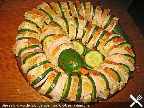 Gurkenschlange 39 kaa 39 snacks funny food and fun food - Fingerfood kindergarten ...