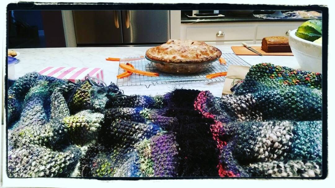 Working on my knitting project while Teresa's apple pie cools. #knitting #pie #applepie #vacationtime #roadtrip