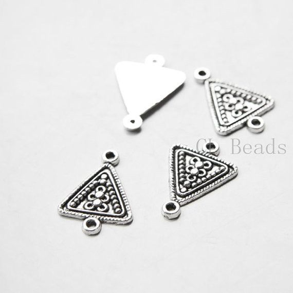 Base Metal Links - Triangle 21x15mm (5088Y)