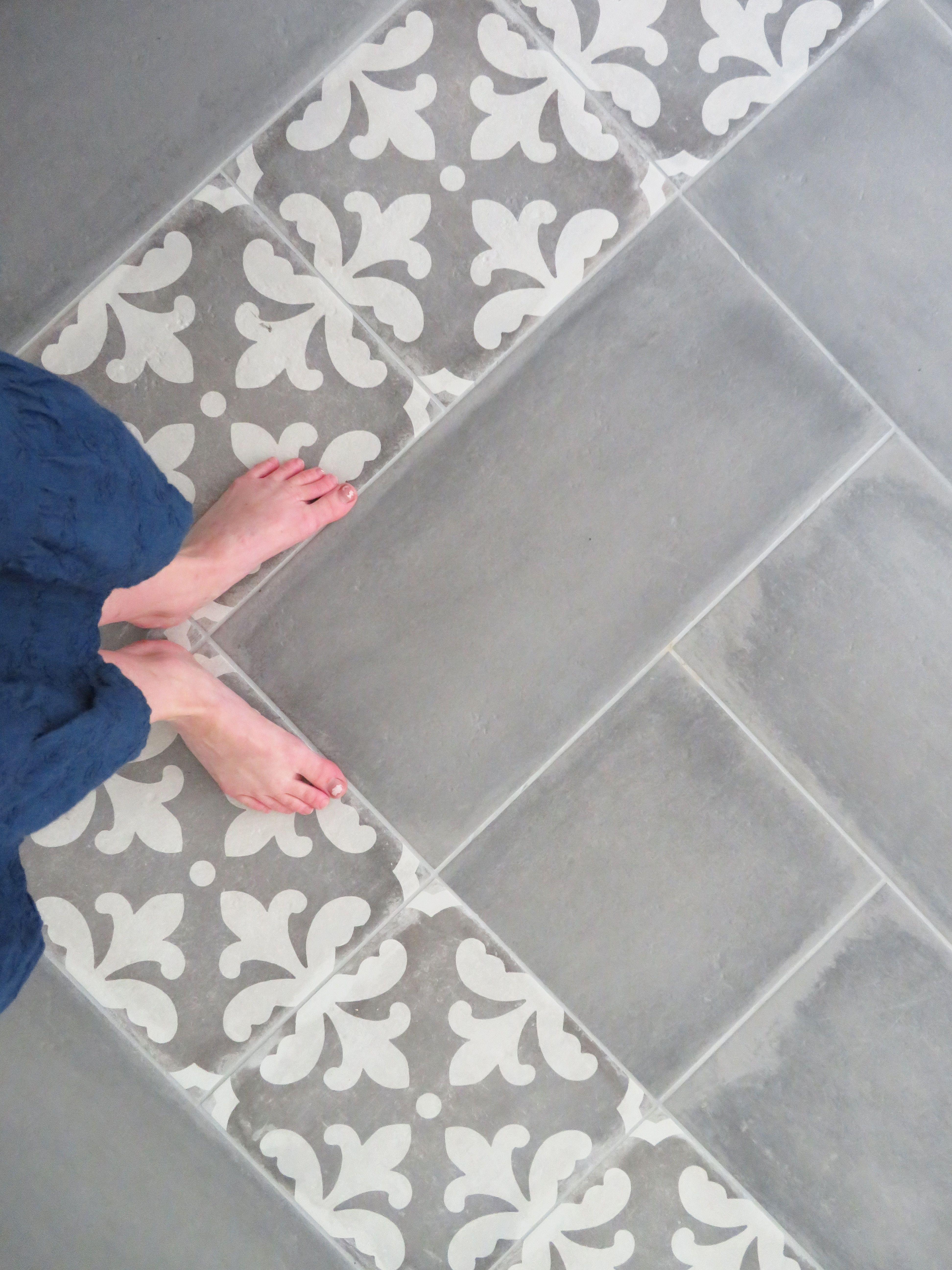 Tile Bat Floors With An Accent Strip
