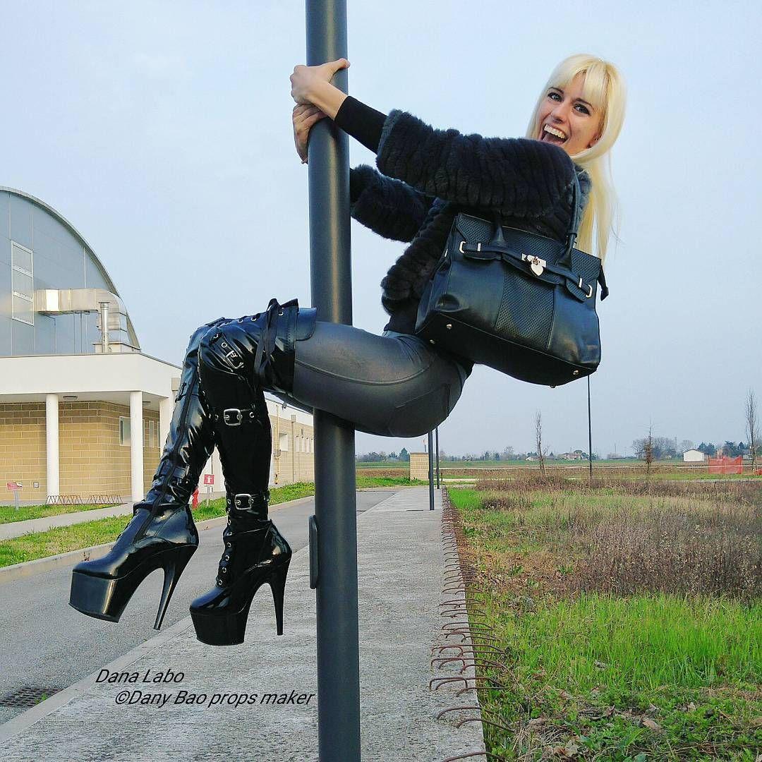 Oberschenkel hoch Stiefel reifen Babe