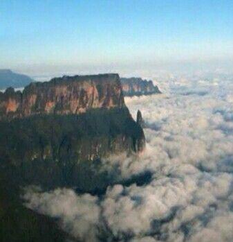 Monte Roraima entre nubes,Gran Sabana,Venezuela.