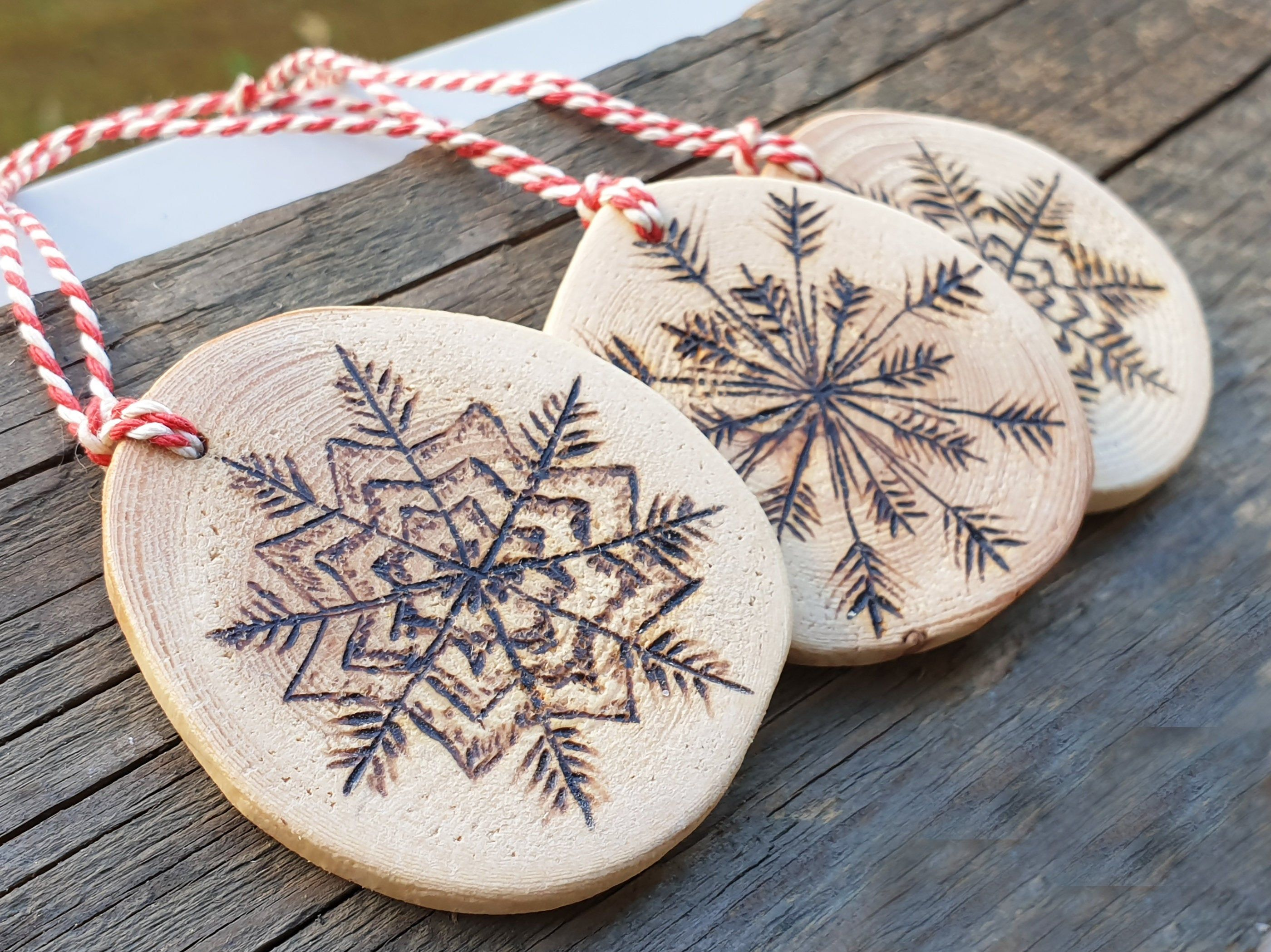 Wood Burned Snowflakes Wooden Ornaments Christmas Tree Rustic Etsy In 2021 Wooden Christmas Ornaments Snowman Christmas Ornaments Wooden Ornaments