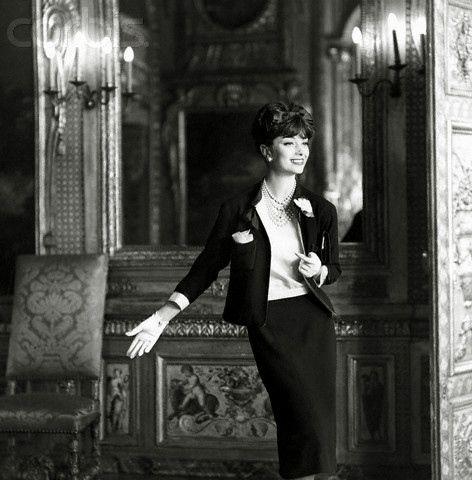 0000074091-190572-7257159- Ele também tomou retratos de celebridades: Anna Magnani, Coco Chanel, Sophia Loren e Maria Callas estavam entre seus melhores temas conhecidos.