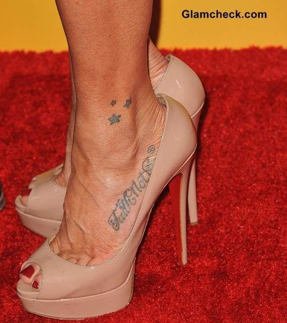 Poppy montgomery feet
