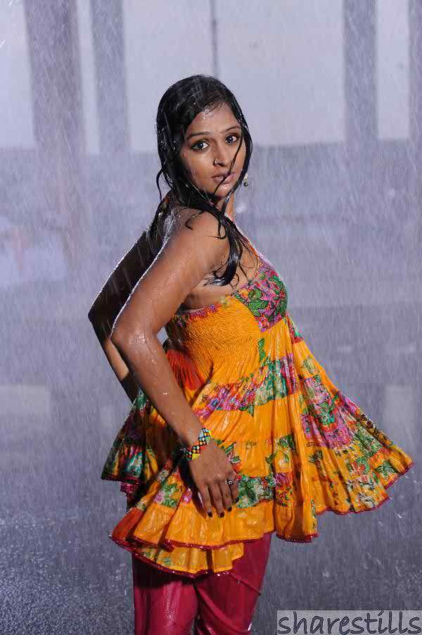 Remya Nambeesan Body Measurements Bra Breast Bust Sizes Height Weight