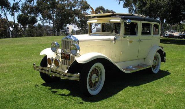 Rent This Roaring Beauty For Fabulous Pictures San Diego Antique Car Chauffeur Company Wedding Classic Car Limousi Old Classic Cars Antique Cars Classic Cars