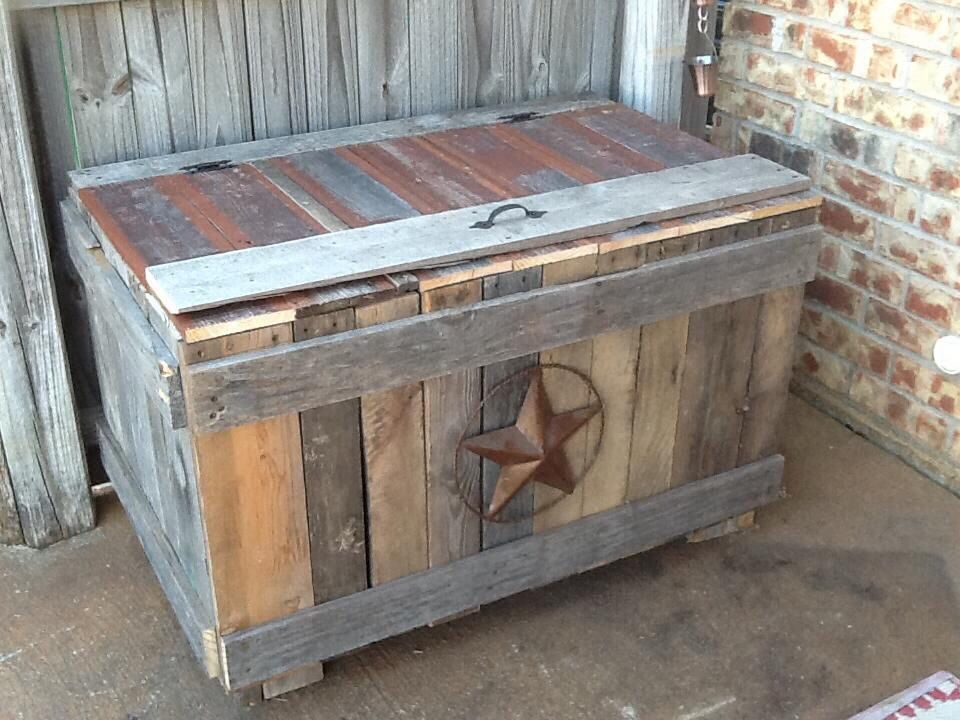 patio storage box made from pallets and fence pickets - Patio Storage Box
