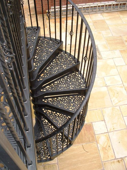 Perfect Exterior Spiral Staircase ( Wrought Iron Frame And Steps)     Cast Spiral  Stairs