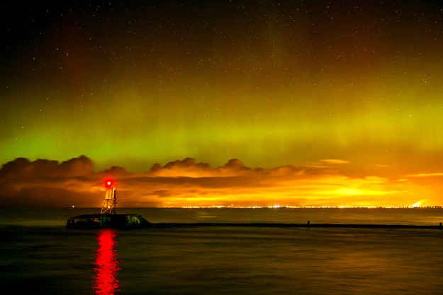 Ayr, Scotland. | 16 Absolutely Breathtaking Photos Of The Northern Lights Taken In Scotland And The North Of England