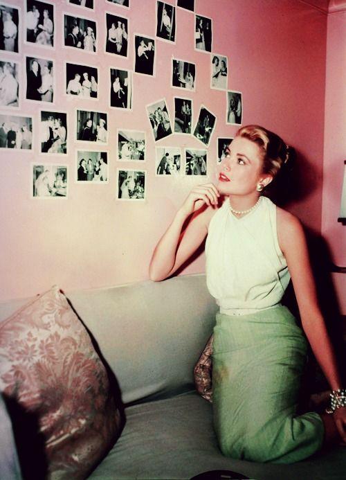 """Grace Kelly on the set of """"Rear Window"""" (1954)"""