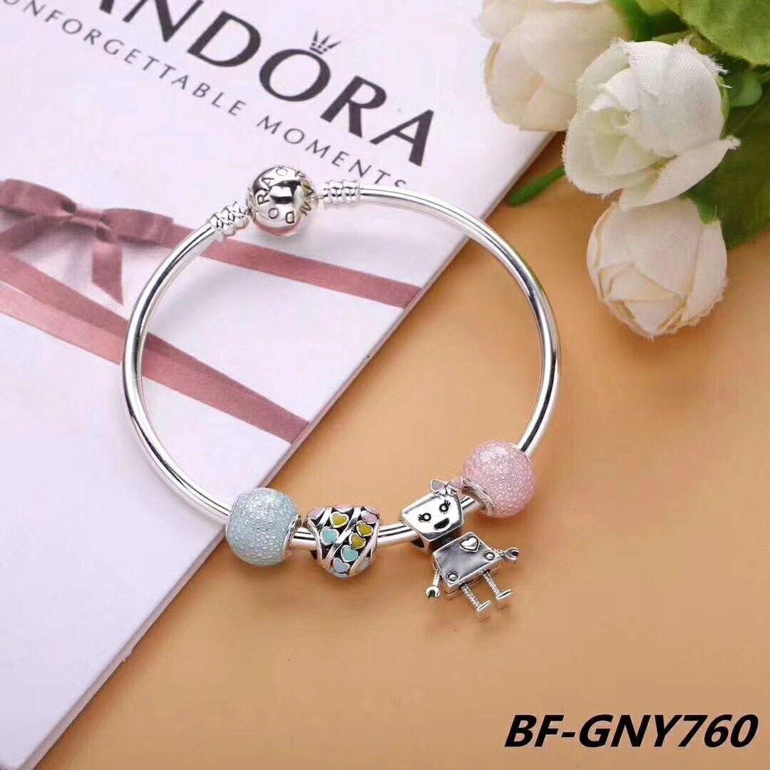 7f3df7fee678 Pandora Bella bot charm bracelet
