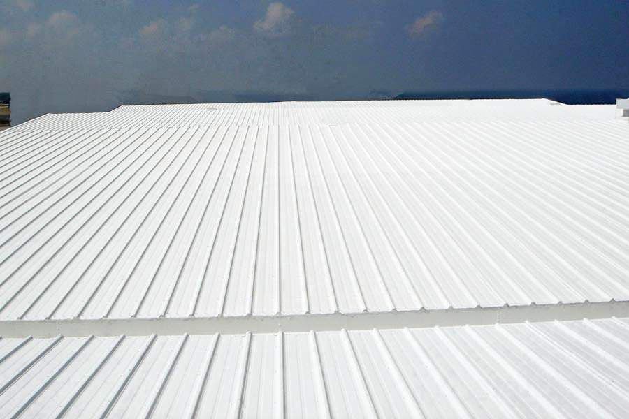 Tanks Of All Types Maintaining Storage Tanks With Industrial Coatings Along With The Pipeline Systems That Feed Commercial Roofing Roofing Contractors Roofing