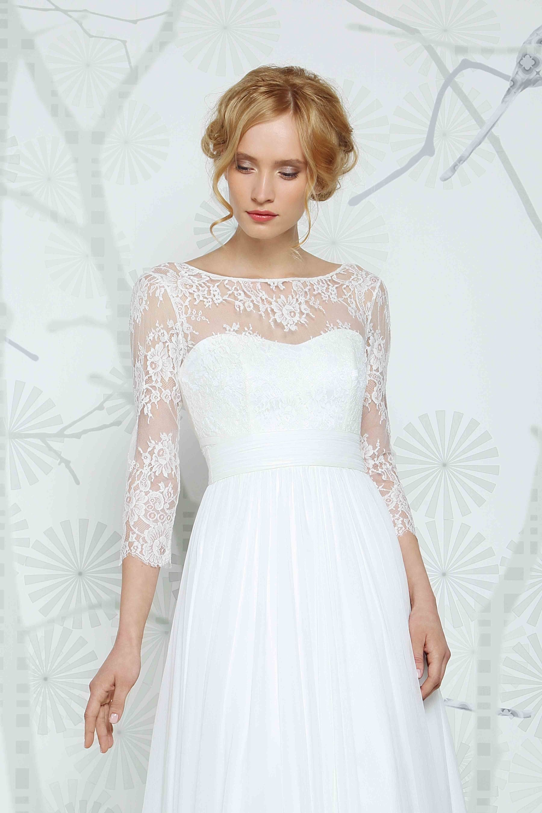 SADONI top ELEA with 3/4 sleeves in French lace. A modern twist ...