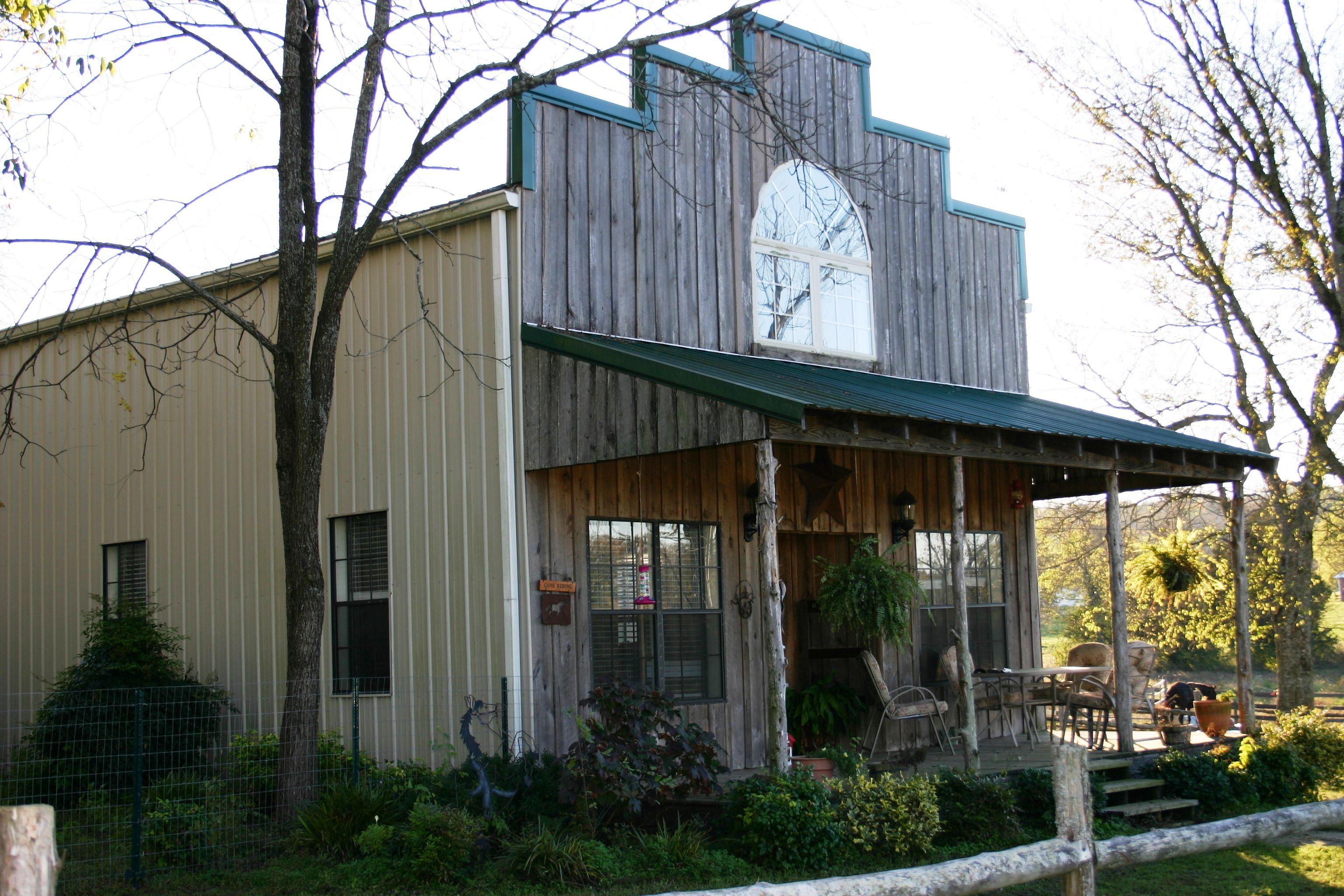 Horse barn apartment!~ | Horse barns | Pinterest | Horse barns, Barn ...