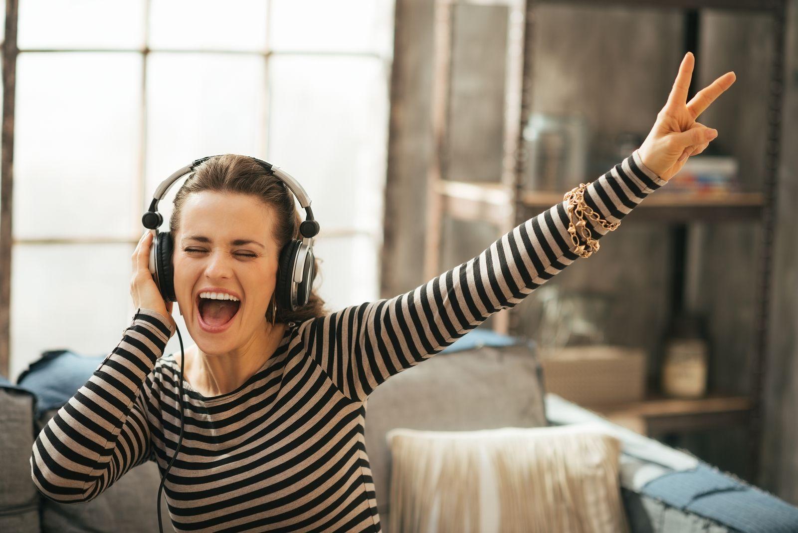 Qual tipo de música você gosta de ouvir? Gosto não se discute e cada pessoa tem o seu, mas uma coisa é verdade: música é algo muito bom! http://www.eusemfronteiras.com.br/musica-um-calmante-natural/ #eusemfronteiras #música #calmante #natural #saúde