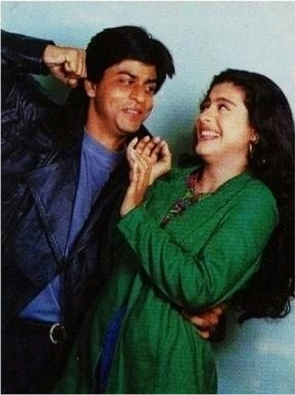 Unseen Cute Pic of Shahrukh and Kajol
