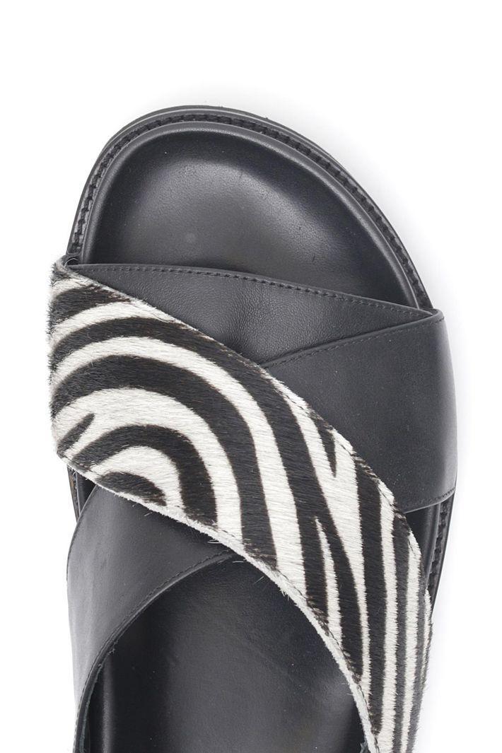 Sandalo in pelle e cavallino Diffusione Tessile