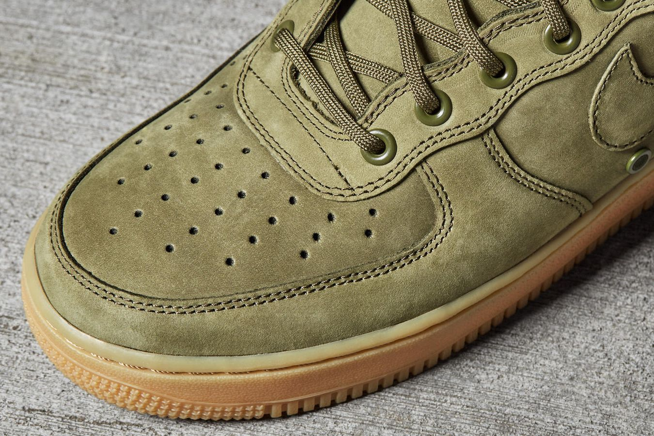 sale retailer ea827 cbacc The SF AF-1 is a winterized take on the iconic Air Force 1 silhouette.