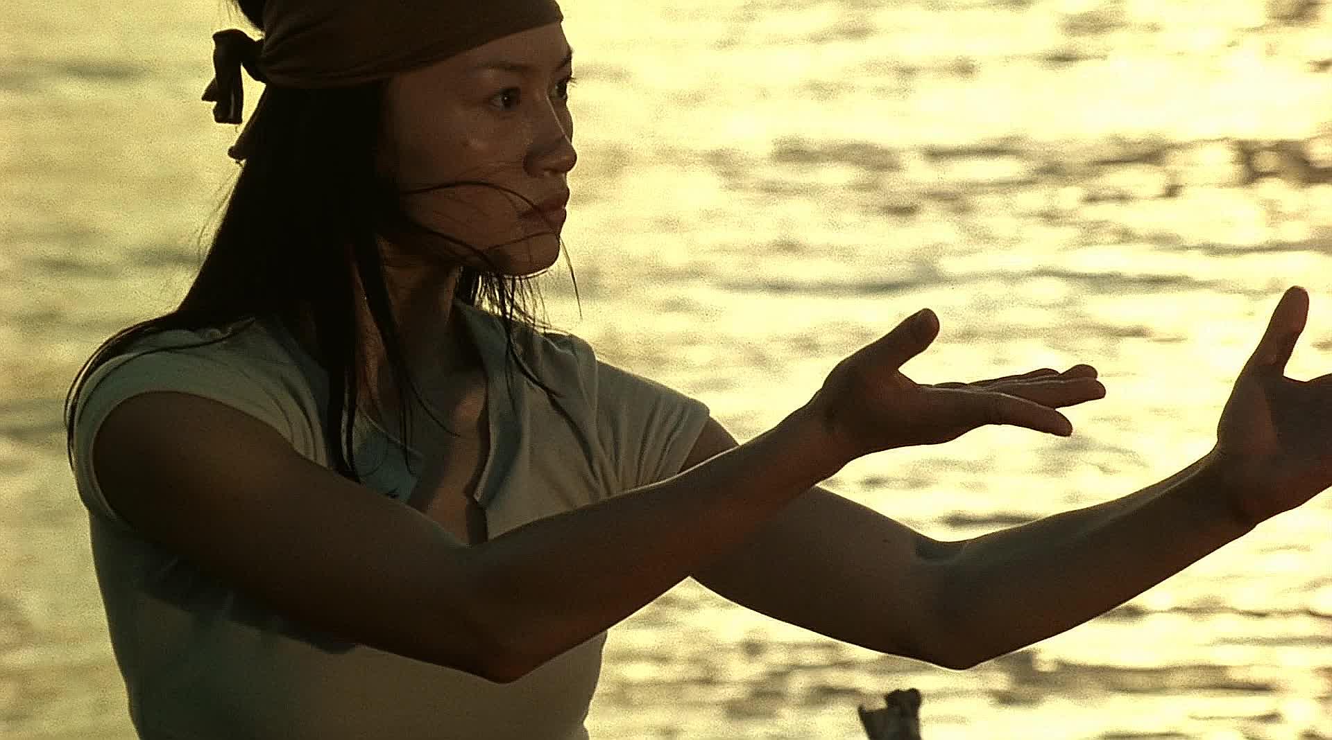 Naked Weapon (2002) Jewel Lee