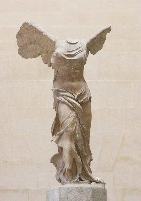 luz de sol Insustituible difícil de complacer  Nike di Samotracia, 200-180 a.C. Realizzata in marmo pario ...