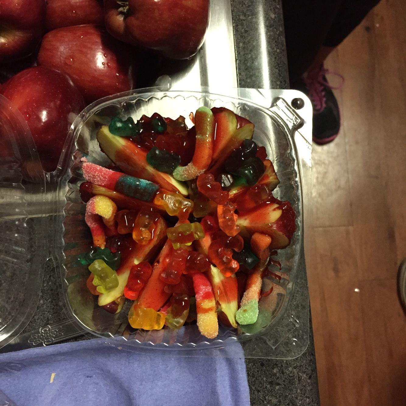 Apples preparadas made with tamarindo lucas powder