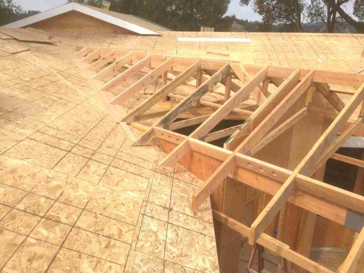 hip and valley roof u a construction in northern australia
