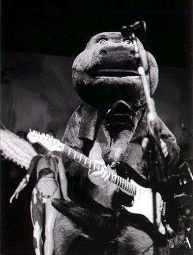 Kurt Cobain as Barney, Akron, October 31, 1993