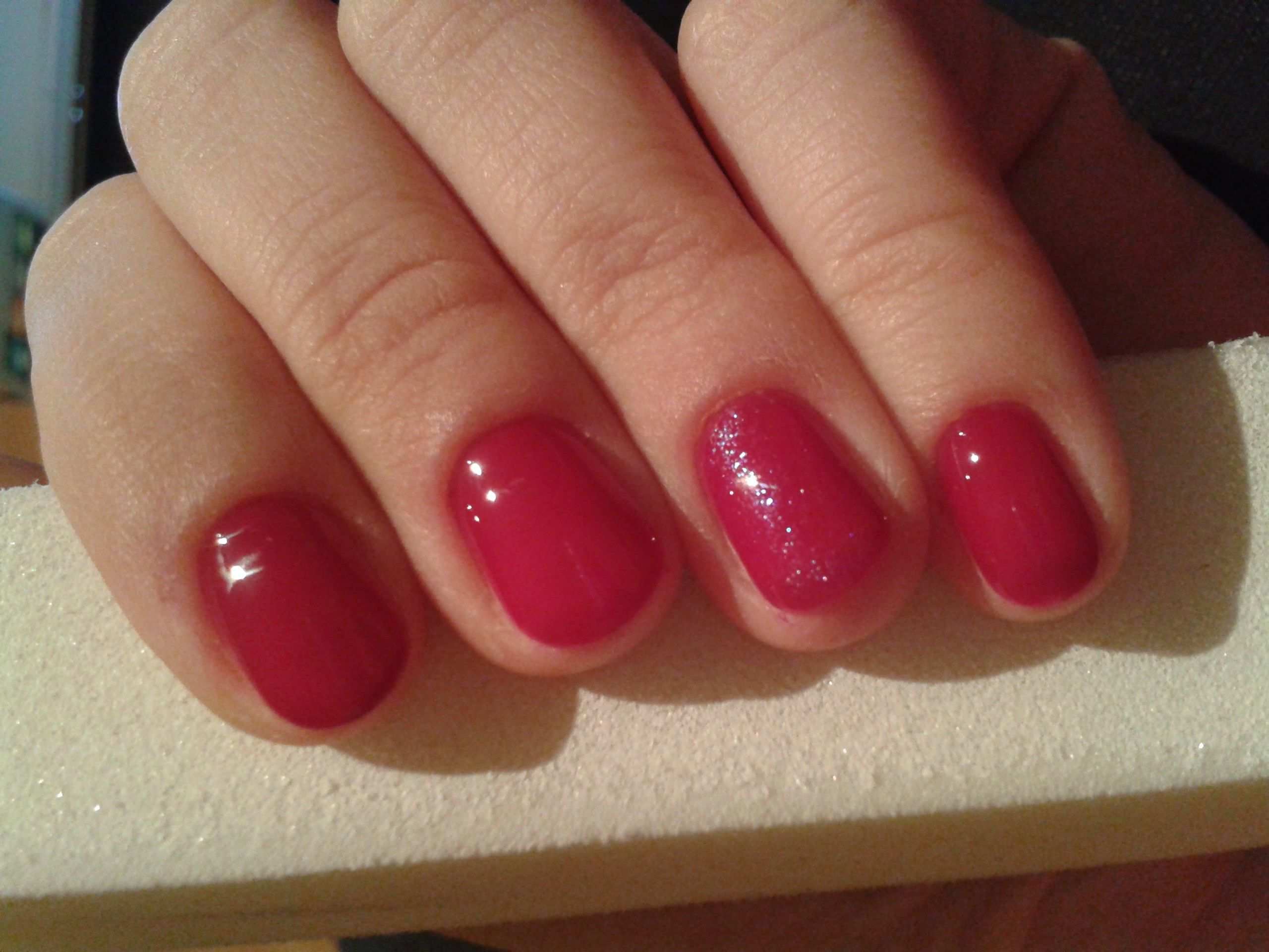 Red nails with mermaid glitter -CN one step crystalac (OS34) | Gel ...