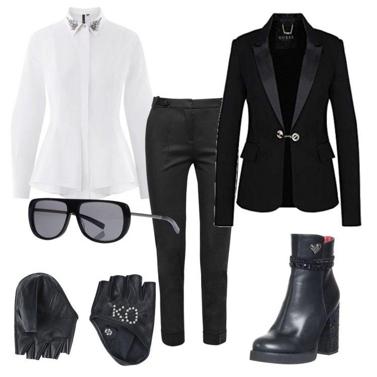 pantaloni cropper con giacca nera