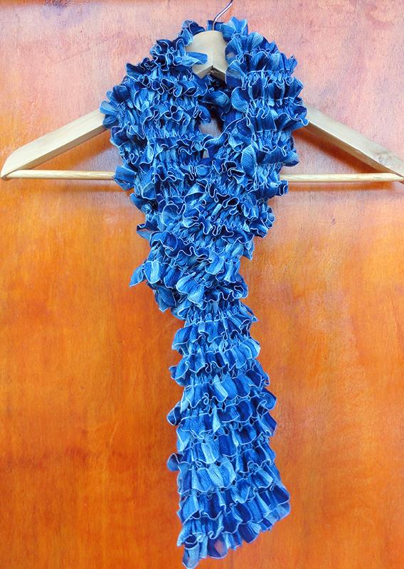 Bufanda Ondas Tejido dos agujas - Ruffled Curly Scarf Knitted by Suhyza