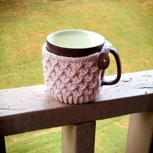 Coffee Cup Knitted Buttoned Cozy [FREE Knitting Pattern]
