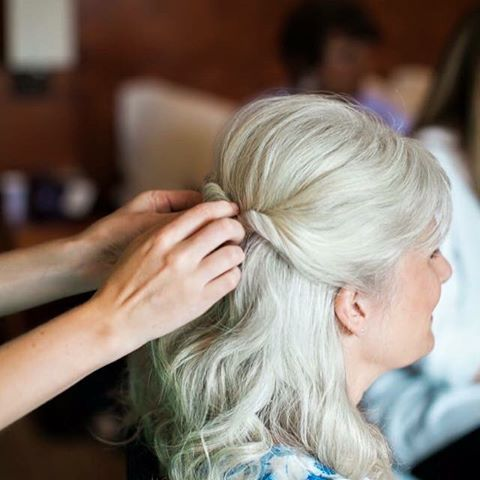 Mother of the bride simple yet elegant half up hairstyle! And her ...