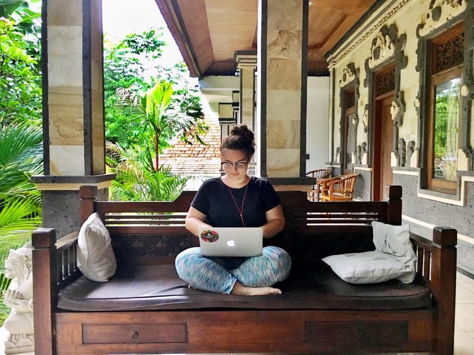 How to a Female Digital Nomad. Because the hardest