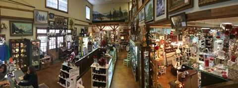 425 Market Place Antiques in Roswell GA. Best kept secret in Roswell GA.