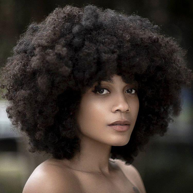 "«""Let us live for the beauty of our own reality."" @thenotoriouskia #islandboiphotography #lifestyle #beautyofawoman #blackisbeautiful #myblackisbeautiful…»"