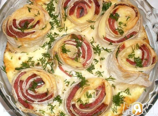 Омлет - букет с розами из лаваша