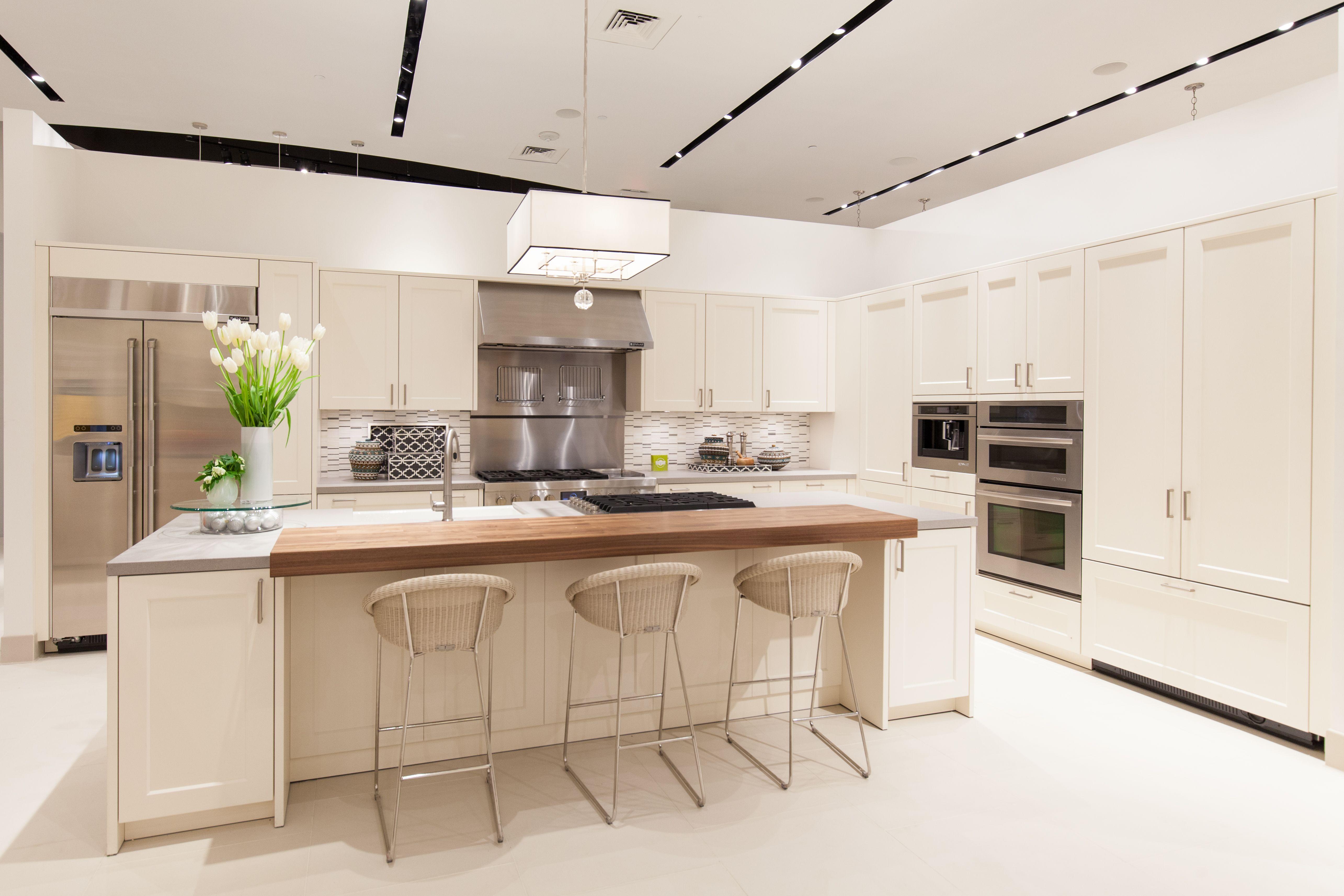 kitchen display at pirch atlanta featuring sub zero wolf