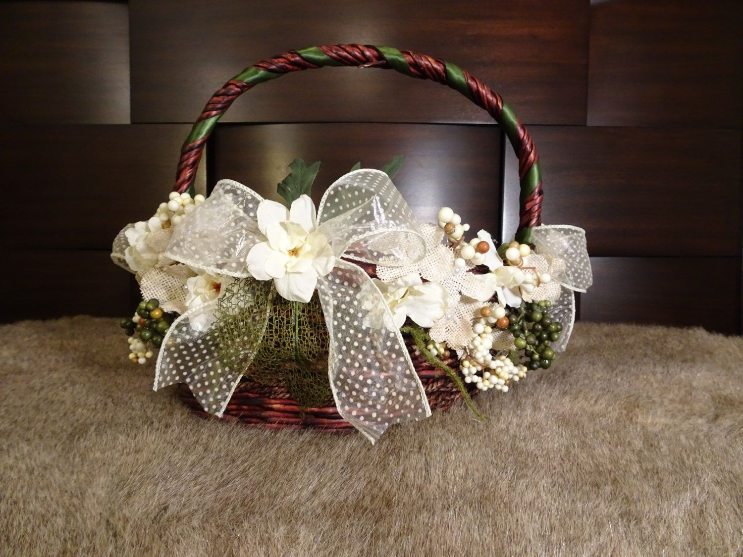 Rustic and White Wedding Favors Basket   Rustic Wedding, Favors Basket, White Basket, Wedding Basket, Floral Basket, Rustic Basket, Organza by TheGiftBasketry on Etsy