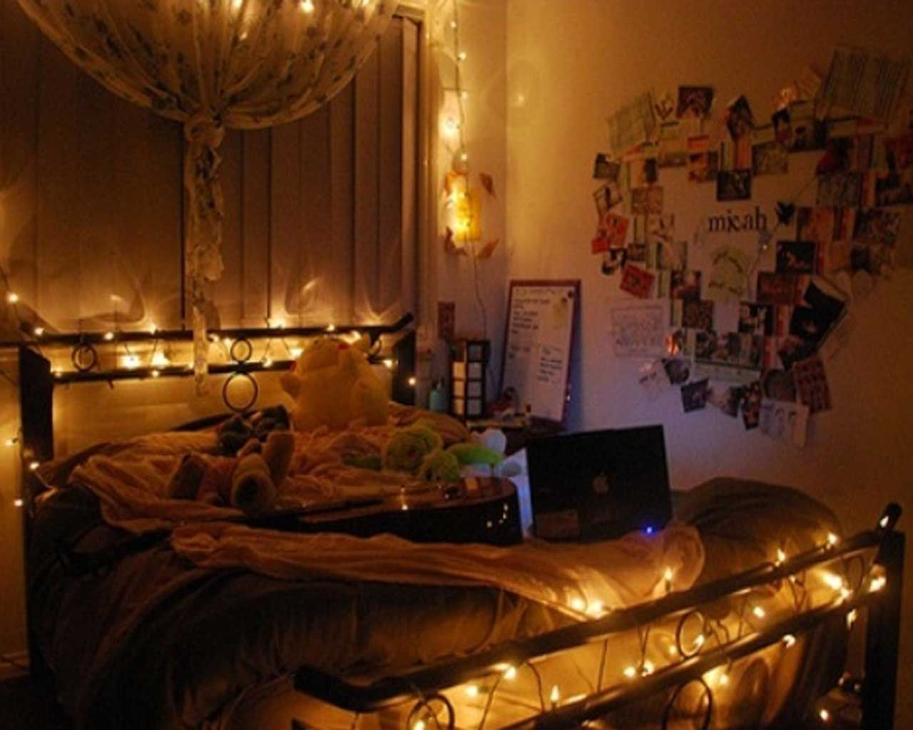 This Looks So Romantic And I Have A Similar Bed Fairy Lights Bedroom Romantic Bedroom Lighting Christmas Lights In Bedroom
