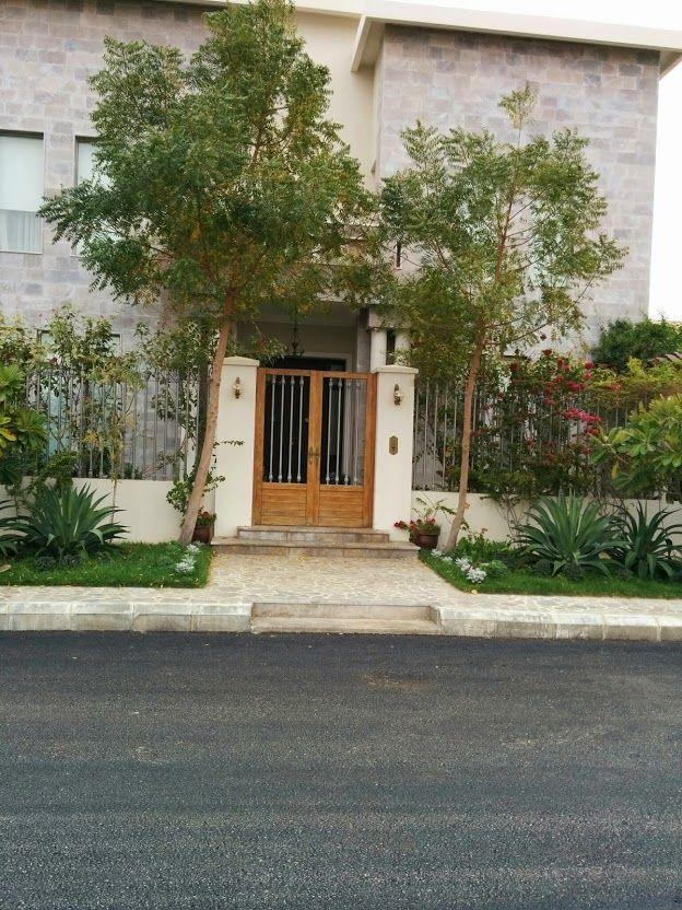 من تصويري الباب الخارجي والسور هذا اللي ابغاه Home Decor Structures Home