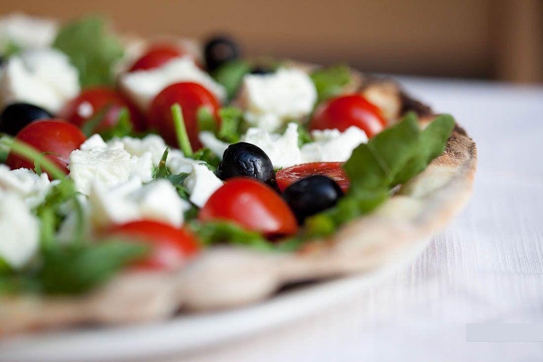 Pizzeria Li Rioni – Pizzeria Roma centro, tipica e caratteristica vicino al Colosseo, prenota la tua cena