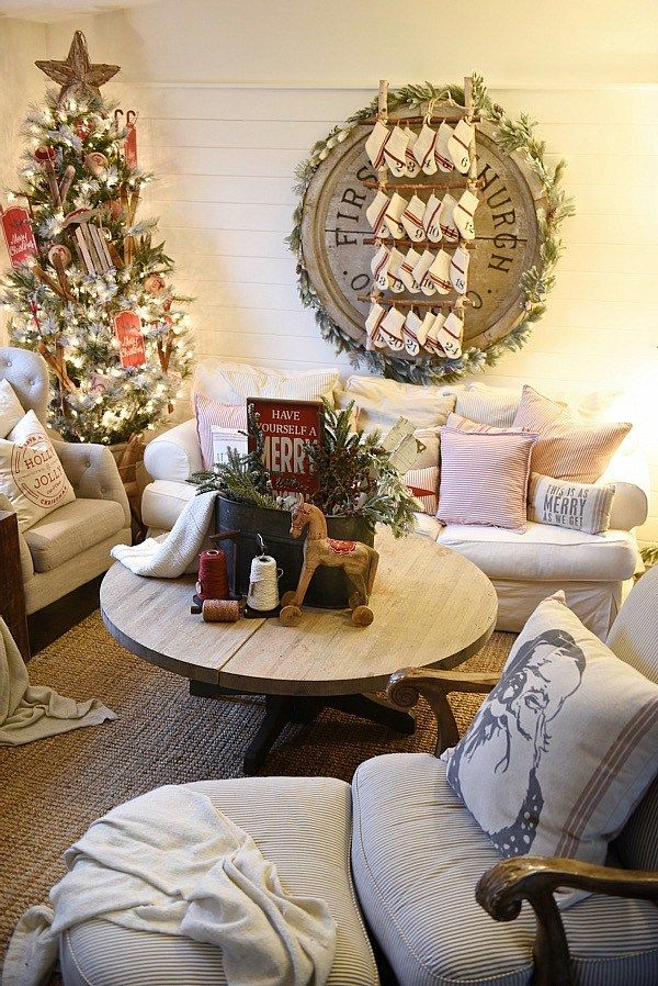 Best Cozy Cottage Christmas Living Room Cottage Christmas 400 x 300