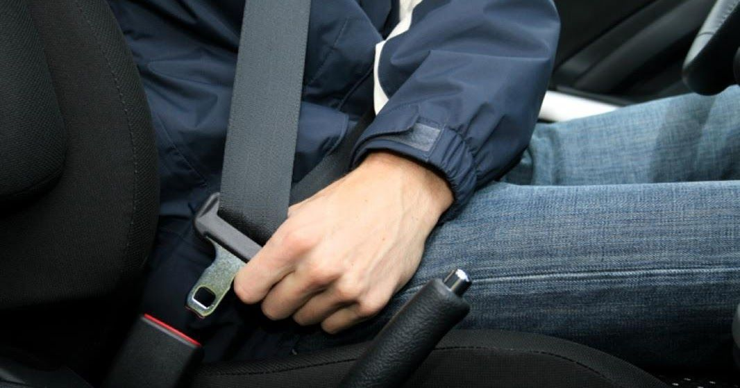 المرور يوضح الحالة المستثناة من تطبيق مخالفة عدم ربط حزام الأمان كشفت الإدارة العامة للمرور عن الحالة التي لا يتم ف Car Seats Car Safety Car Safety Features