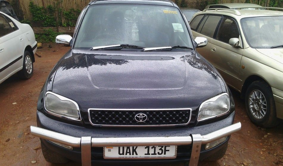 A Toyota Rav4 on sale is a well maintained car at 8.9m UGX