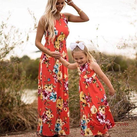 2020 Anne Kız Elbise ve Kıyafet Kombinleri Nar Çiçeği Uzun Kolsuz Çiçek Desenli Elbise | SadeKadınlar, Kıyafet Kombinleri #moda #fashion #fashionblogger #damenmode #mode #damenoutfits #outfits #kombin #annekız #annekızelbiseleri #annekızkıyafetleri #annebebekkombin #kombinleri #kombinönerileri #outfitsoftheday #girl #kıyafetkombinleri #şıkkombinler