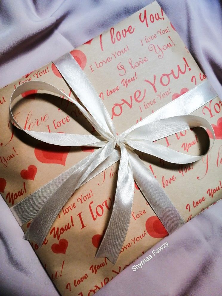 Gift Wrapping تغليف هدايا Gifts Gift Wrapping Wraps