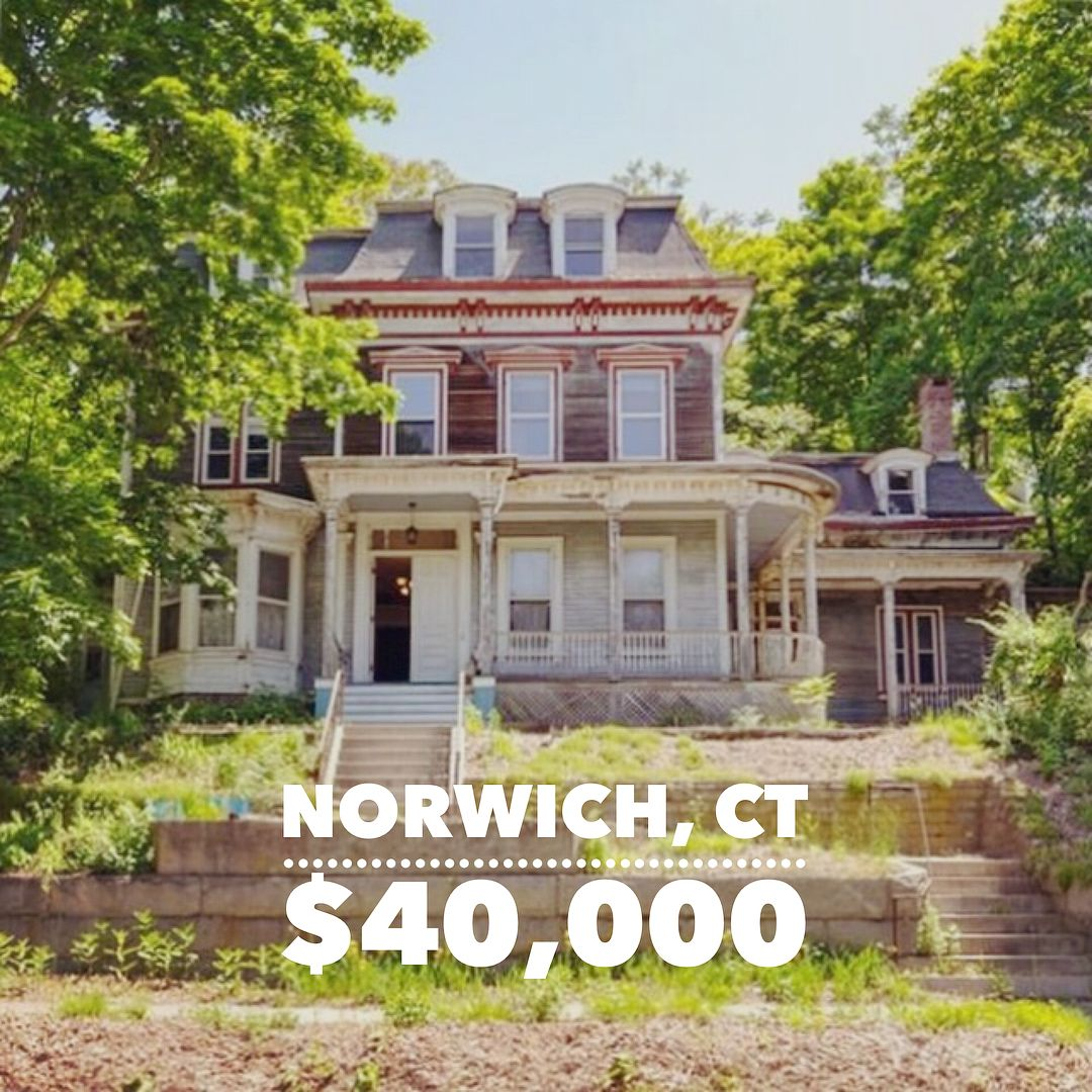 60 Laurel Hill Ave Norwich Ct Crying Link In Profile Old Houses House Styles House