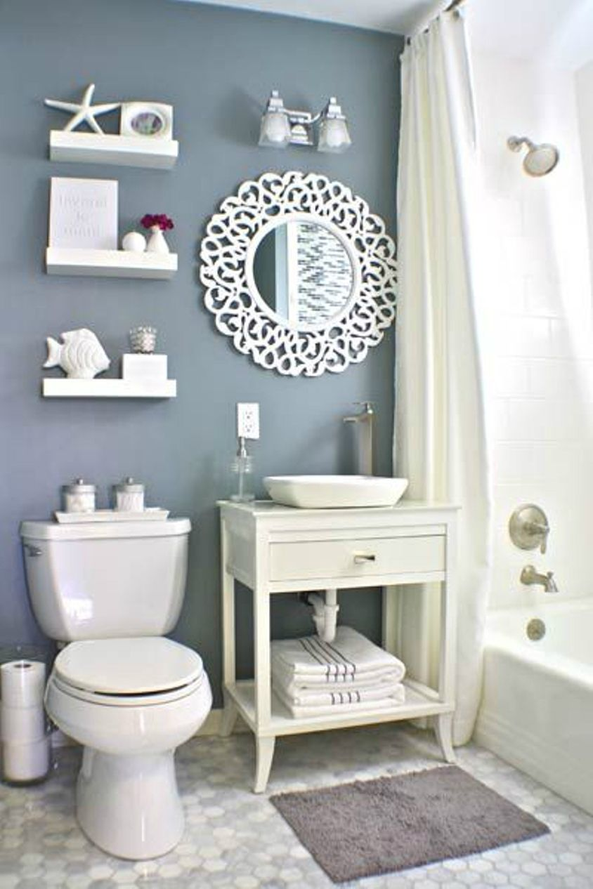 Small Nautical Theme Bathroom With Traditional Toilet And Vanity Ocean Accessories Jpg 844 1266